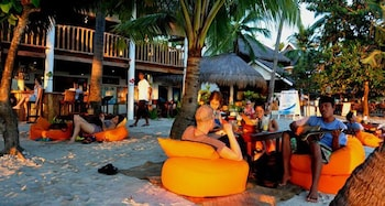 Ocean Vida Beach And Dive Resort Malapascua Hotel Bar