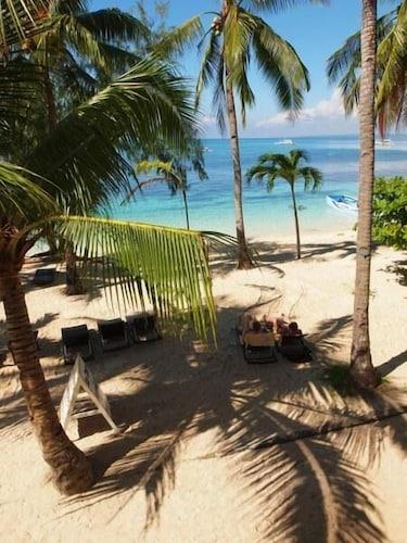. Ocean Vida Beach and Dive Resort