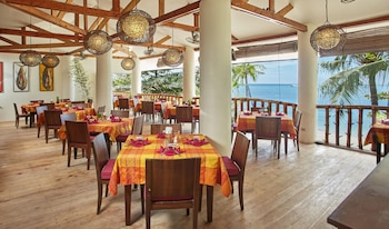 Ocean Vida Beach And Dive Resort Malapascua Restaurant