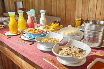 Ocean Vida Beach And Dive Resort Malapascua Breakfast Meal