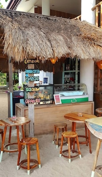 Ocean Vida Beach And Dive Resort Malapascua Coffee Shop