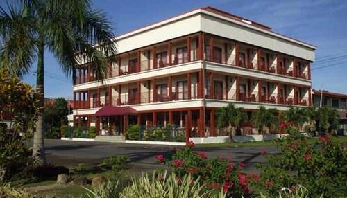 Hotel Elisa, Vaimauga West