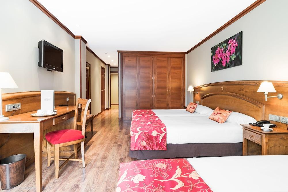 https://i.travelapi.com/hotels/6000000/5160000/5152500/5152420/39020d9b_z.jpg