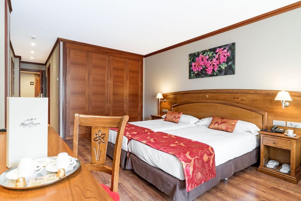 https://i.travelapi.com/hotels/6000000/5160000/5152500/5152420/f69dc514_z.jpg
