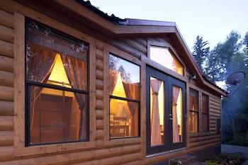 Cabin (Deluxe One Bedroom)