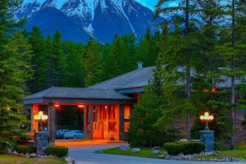 Hotel - Mountaineer Lodge