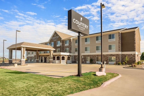 . Country Inn & Suites by Radisson, Minot, ND