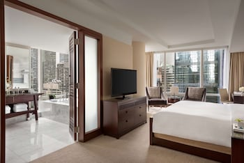 Premier Room, 1 King Bed