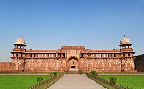 The Retreat, Agra