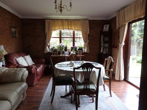 . Hay Lane Lodge