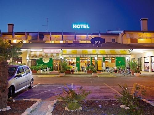 __{offers.Best_flights}__ Hotel Agli Olmi