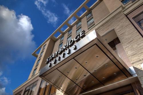 Staybridge Suites Hamilton Downtown, Hamilton
