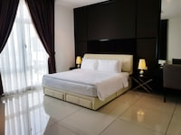 Executive Penthouse Apartment B (Check-in at D\'Esplanade Residence Reception)