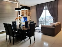 Premier 3 Bedrooms with Private Pool B (Check in at D\'Esplanade Residence)