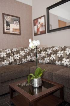 Check Inn Hotel - Living Area  - #0