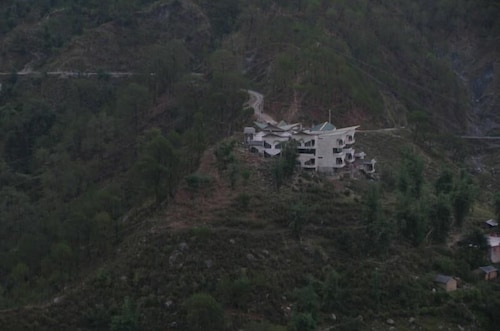 The Citadel Resorts, Jiya, Kangra