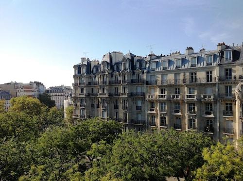 __{offers.Best_flights}__ Hôtel du Printemps