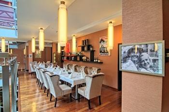 ホテル ツァルニ ポトク リゾート スパ & カンファレンス