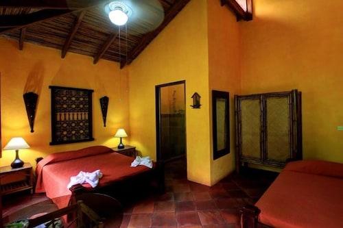La Palapa Eco Lodge Resort, Aguirre