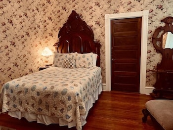 Deluxe Double Room, Private Bathroom (Captain Mey's Room)