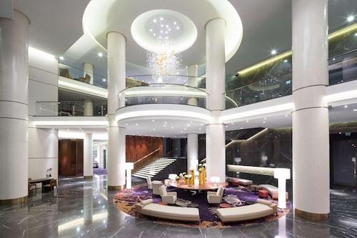 __{offers.Best_flights}__ Hilton Kyiv