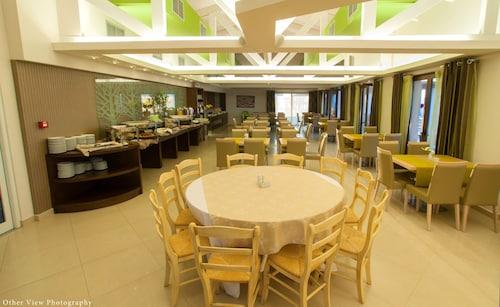 Arty Grand Hotel, West Greece