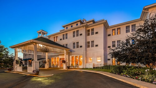 . Best Western The Hotel Chequamegon