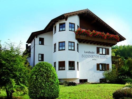 . Landhotel Sonnenhalde