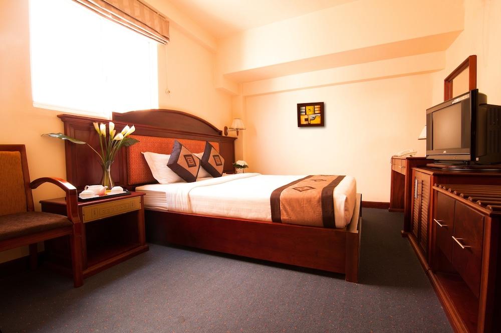 レ レ ホテル