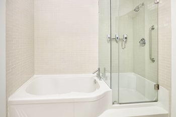 Executive Suite, 1 Bedroom, Jetted Tub