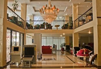 ボール アンバサダー ホテル