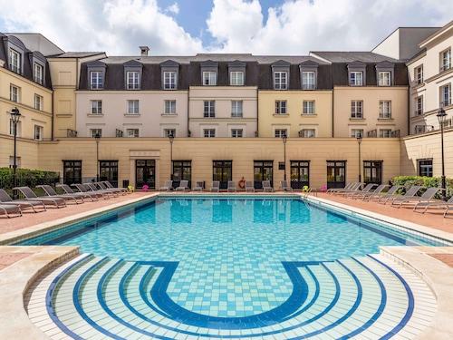 . Aparthotel Adagio Serris - Val d'Europe