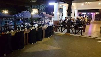 Woodland Hotel Pampanga Restaurant