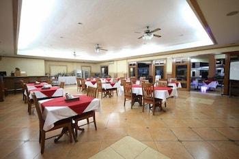 Woodland Hotel Pampanga Dining