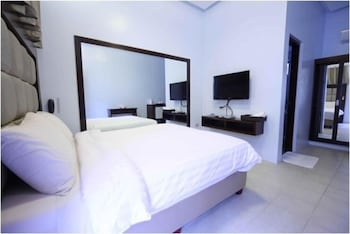Woodland Hotel Pampanga Room