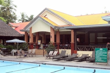 Woodland Hotel Pampanga Outdoor Pool