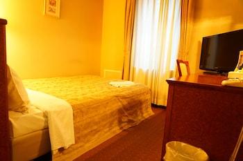 セミダブルサイズベッド 1 台 14㎡ ホテルアセント福岡