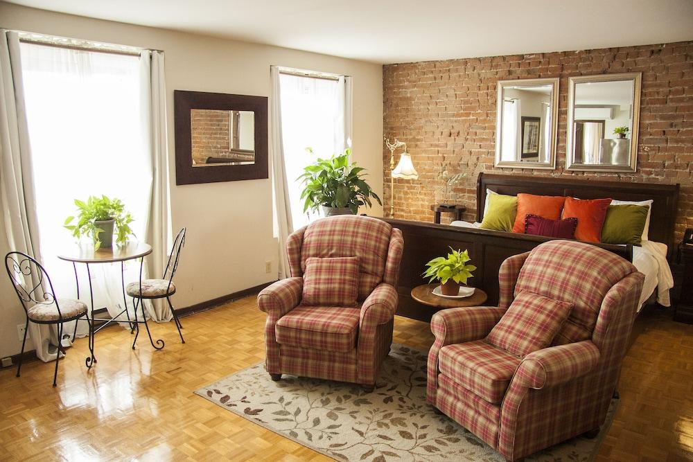 오베르즈 드 라 플라세 로얄(Auberge de la Place Royale) Hotel Image 16 - Guestroom