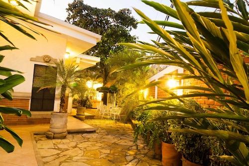 Hotel El Almendro, Managua