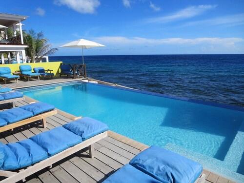 Scuba Lodge & Ocean Suites,