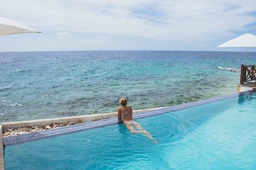 . Scuba Lodge & Ocean Suites