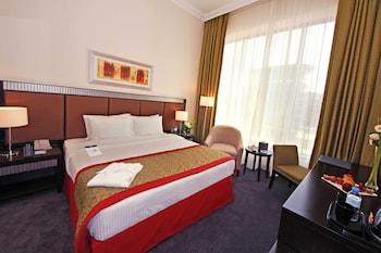 Classic Room, 1 King Bed, Non Smoking, Bathtub