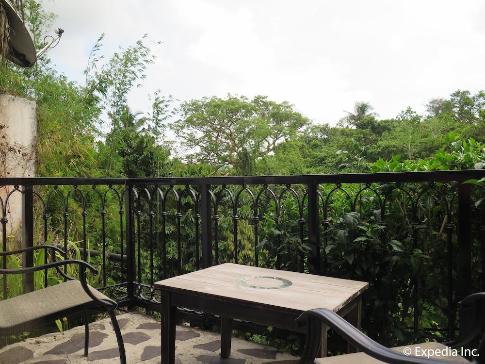 https://i.travelapi.com/hotels/6000000/5290000/5282800/5282734/be14f70a_z.jpg