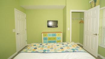 Standard Suite, 2 Bedrooms, Non Smoking, Kitchen