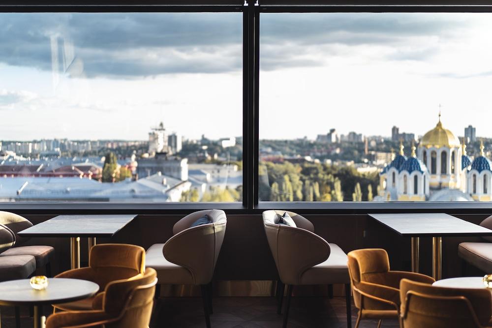 Дизайн-отель 11 Mirrors