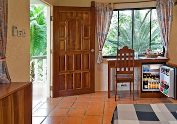 Sipalay Easy Diving And Beach Resort In-Room Amenity