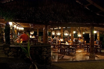 Sipalay Easy Diving And Beach Resort Outdoor Dining