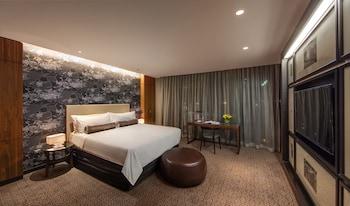 Jewel City Suite