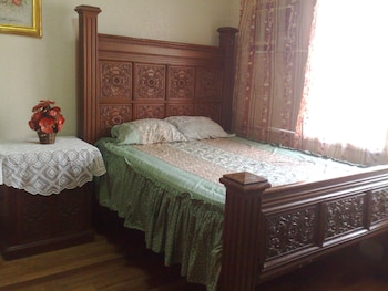 La Residencia Luzviminda Pensionne Cebu Guestroom