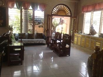 La Residencia Luzviminda Pensionne Cebu Lobby Sitting Area
